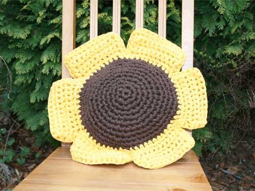 Sunflower Cushion Knitting Pattern : knit green