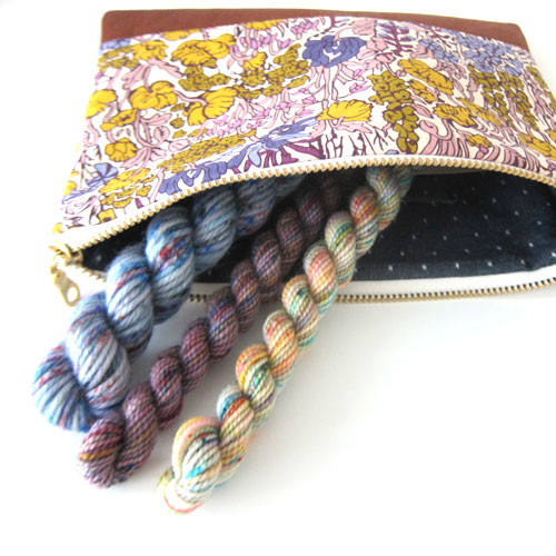 Pouch-with-Skeins