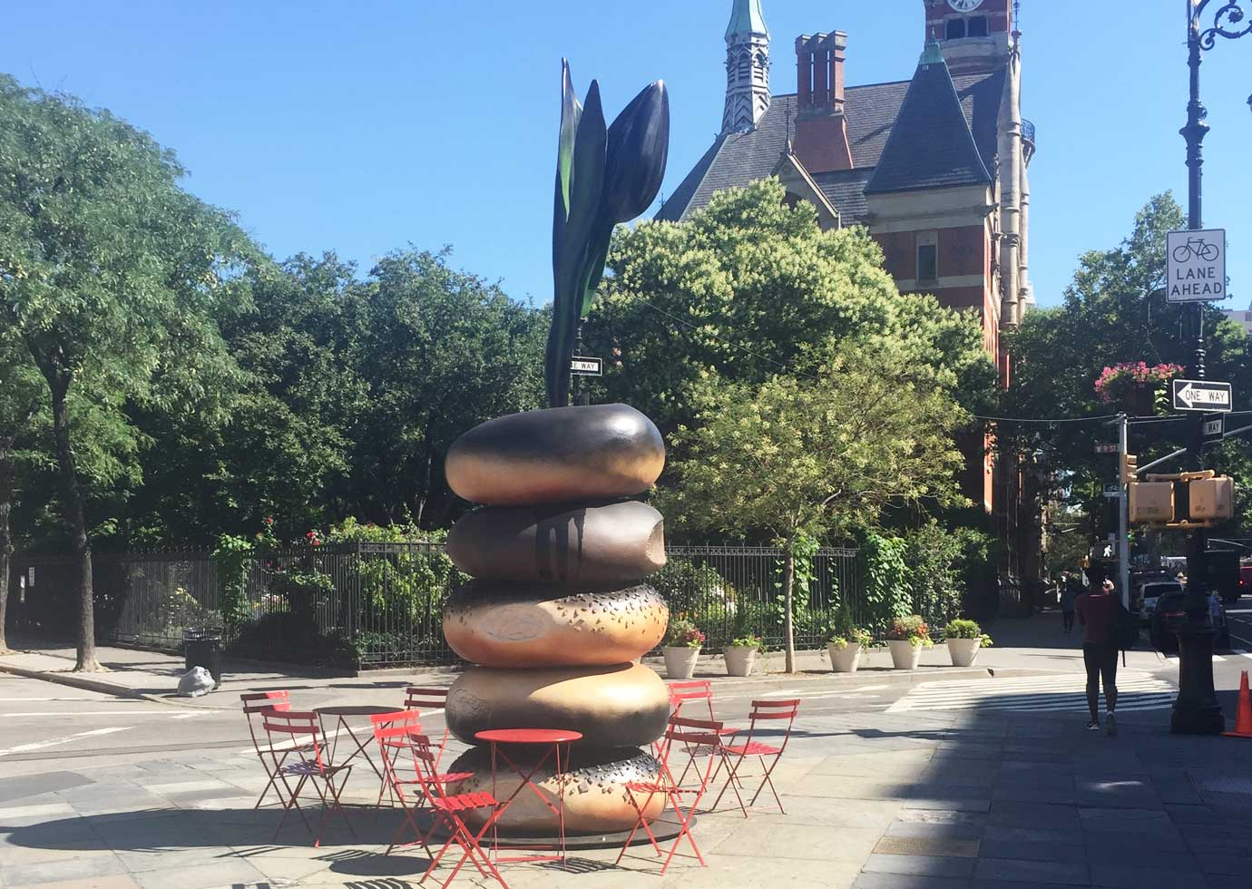bagel-sculpture